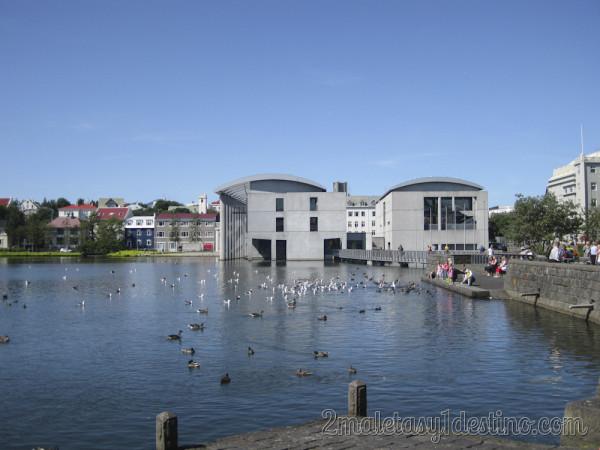 Ayuntamiento - Ráðhús_Reykjavíkur