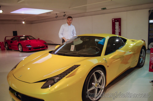 Ferrari 458 Italia y F40 en el Museo Ferrari