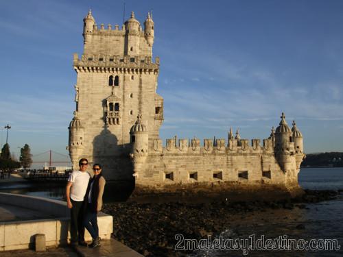 Lisboa - Vanina y Eguino en laTorre de Belem