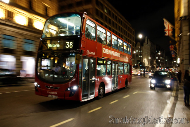 Londres - Bus tarjeta Oyster - 2maletasy1destino