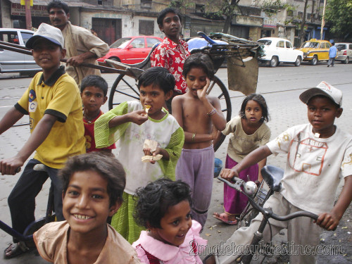 Niños en la calle en Calcuta