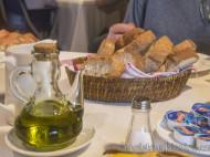 Pan tostado y aceite