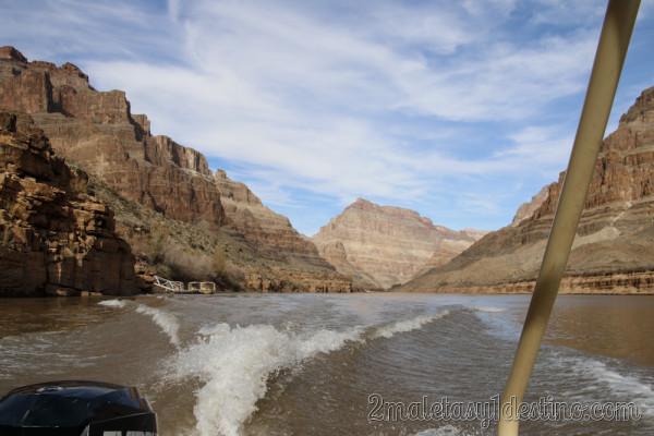 Paseo en bote por el Río Colorado
