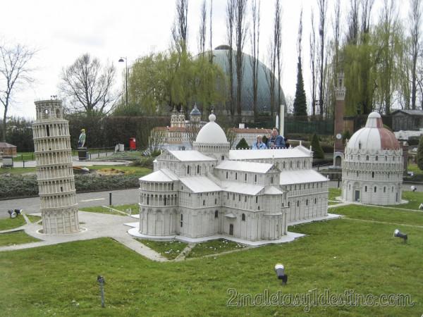 Torre y Baptisterio de Pisa - Mini Europe