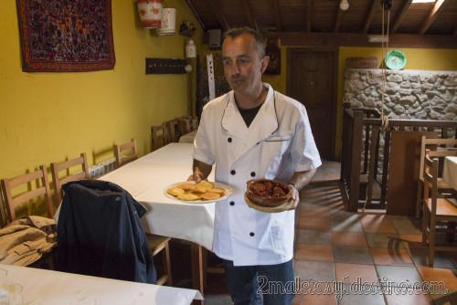 Tortos y chorizo a la sidra de Pepín