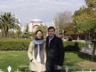 Vanina y Eguino frente a Santa Sofía - Estambul