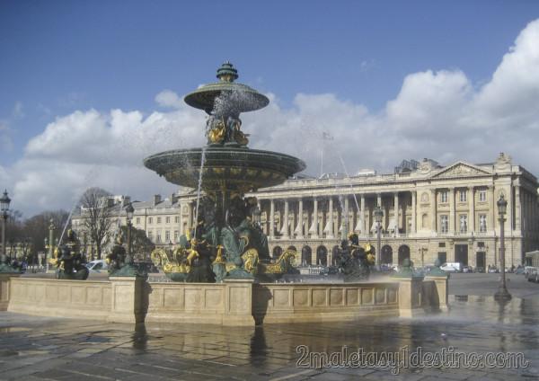 Fuente de los Ríos - Plaza de la Concordia