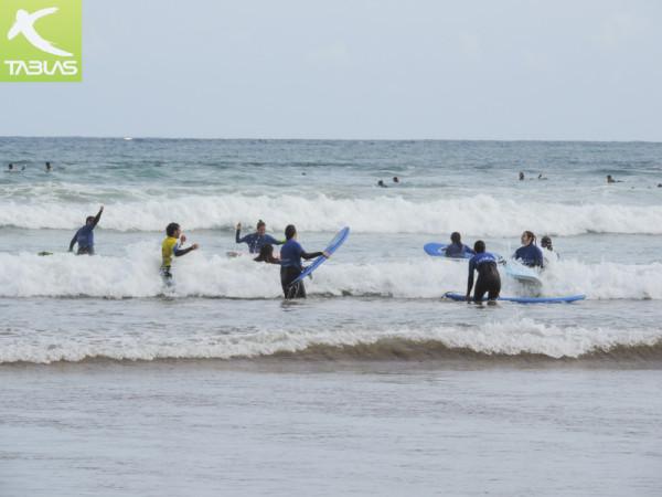 Surfistas Playa San Lorenzo