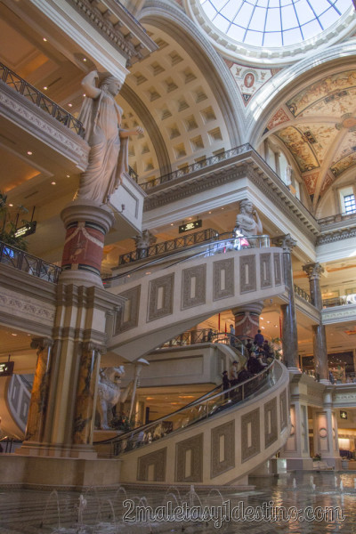 Escaleras mecánicas espiral Forum Shops at Caesars