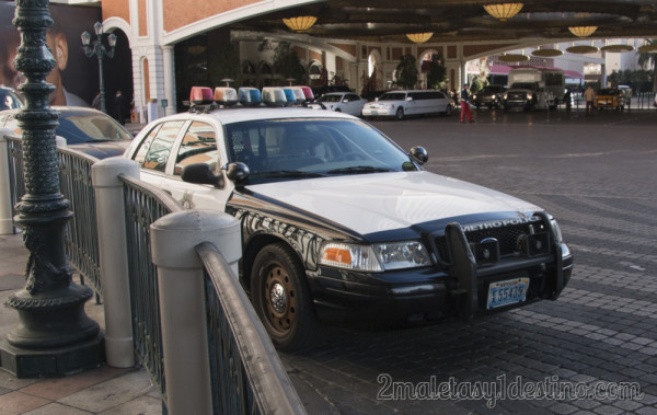 Ford Crown Victoria de la Policía en Hotel The Venetian