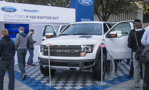 Ford F-150 Raptor SVT 2014