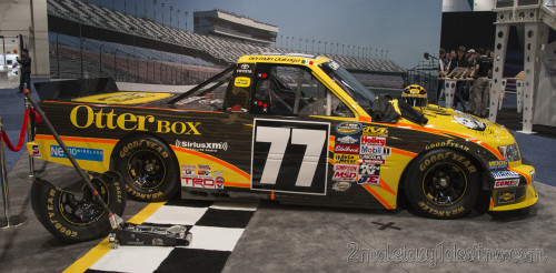 Toyota Tundra #77 NASCAR