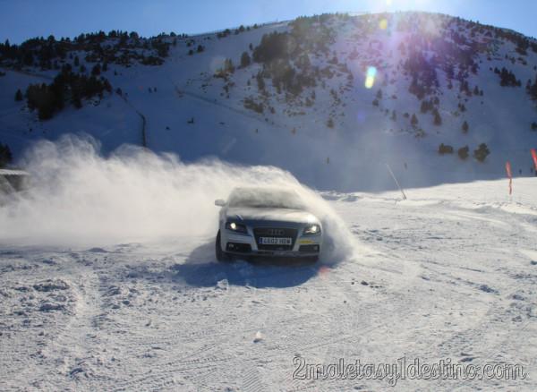 Audi A5 derrape nieve en Andorra