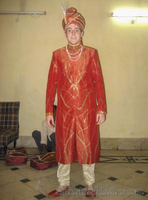 Alfonso Eguino traje gala indio
