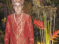 Alfonso Eguino traje indio