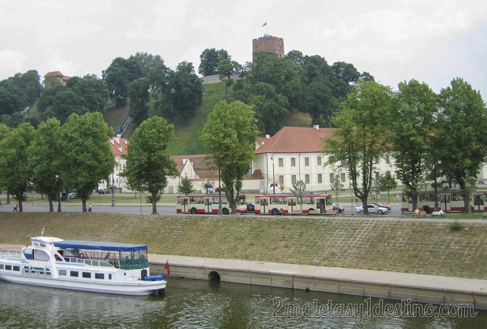 Río Neris y Trolebuses