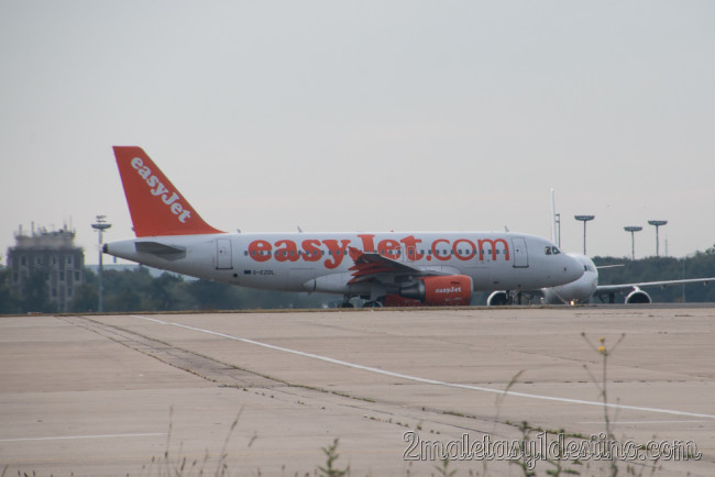 Airbus A319-111 (G-EZDL) easyJet
