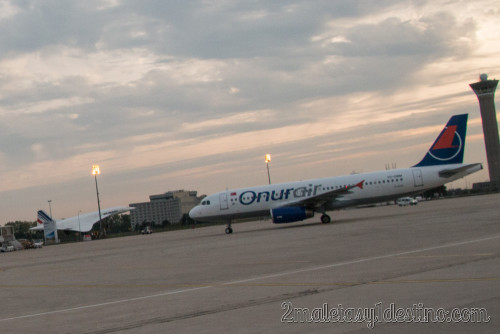 Airbus A320-232 (TC-OBM) Onur Air