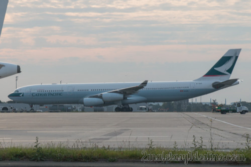 Airbus A340-313X (B-HXD) Cathay Pacific