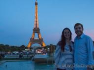 Vanina y Eguino al atardecer en la Torre Eiffel (París)