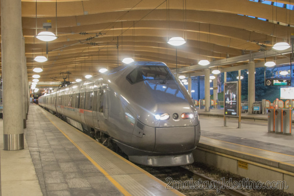 Flytoget Airport Express Train - Tren express aeropuerto Oslo