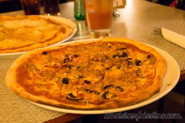 Pizza ternera y aceitunas negras