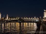Puente Alexandre XIII iluminado