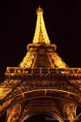 Torre Eiffel con luz