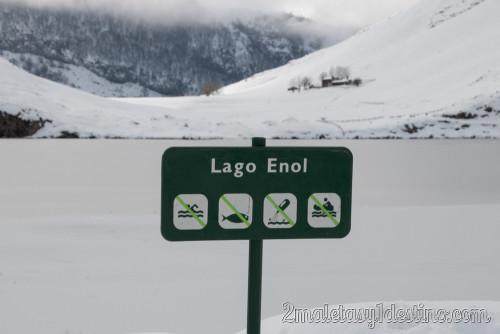 Lago Enol helado