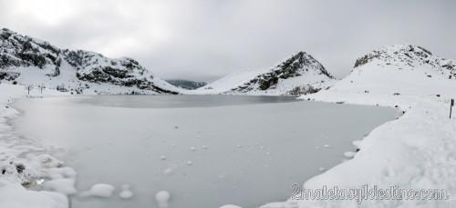 Panorámica del Lago Enol helado