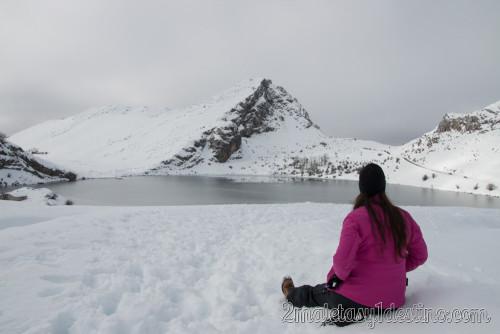 Vanina Posada en el Lago Enol helado