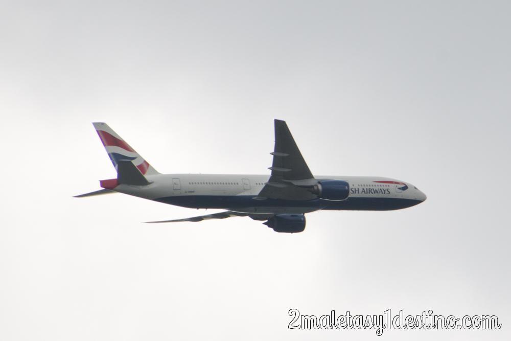 Boeing 777-236(ER) (G-YMMF) British Airways