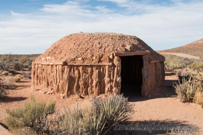 Hogan de los indios Navajos