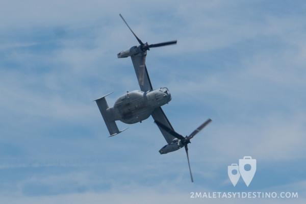 Bell-Boeing V-22 Osprey virando