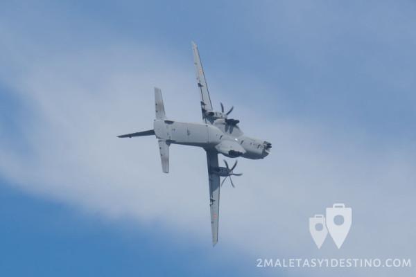 CASA C-295 virando
