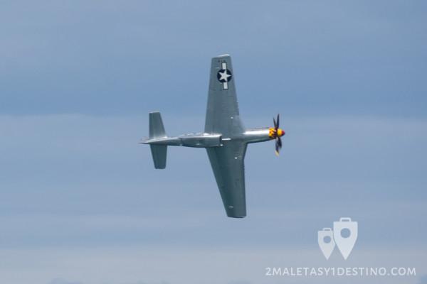 North American P-51 Mustang virando