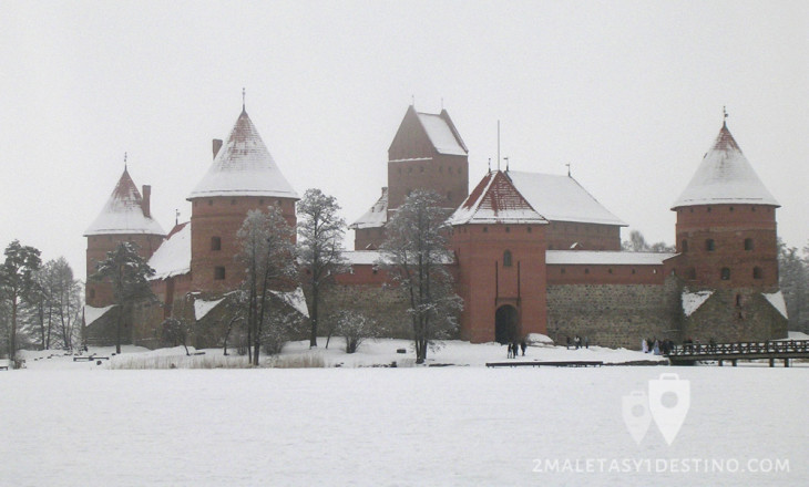 Castillo de Trakai nevado