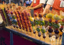 Pinchos de fruta