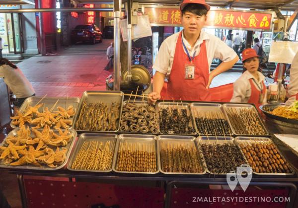 Puesto de insectos en Wangfujing