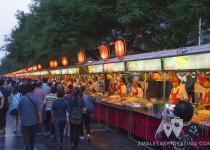 Puestos comida callejera Wangfujing