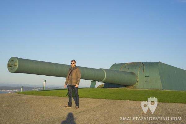 Alfonso Eguino en la batería de costa de A Coruña