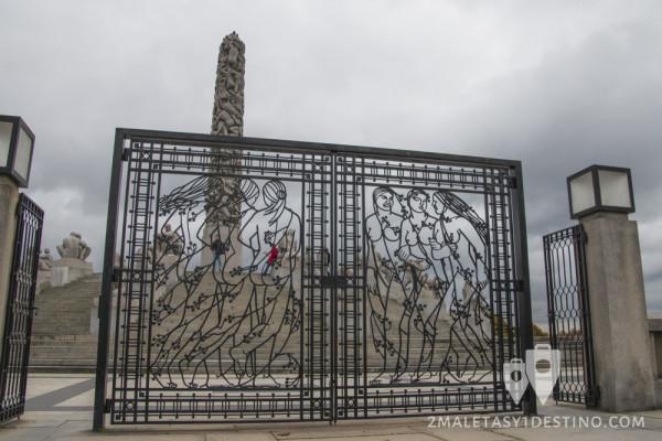 Verja del monolito de Vigeland