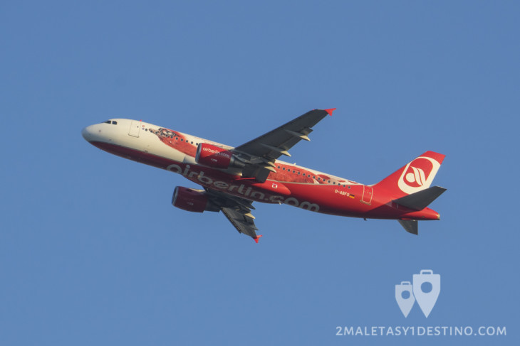 Airbus A320-200 (D-ABFO) Air Berlin