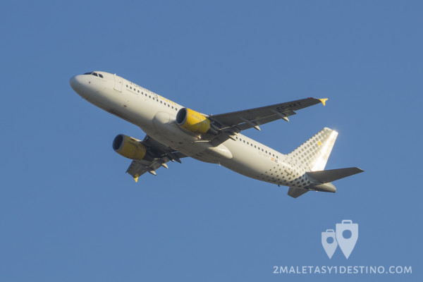 Airbus A320-200 (EC-KKT) Vueling