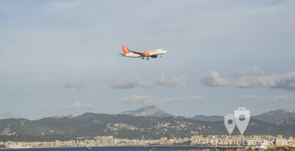 Airbus A320 aterrizando en Mallorca