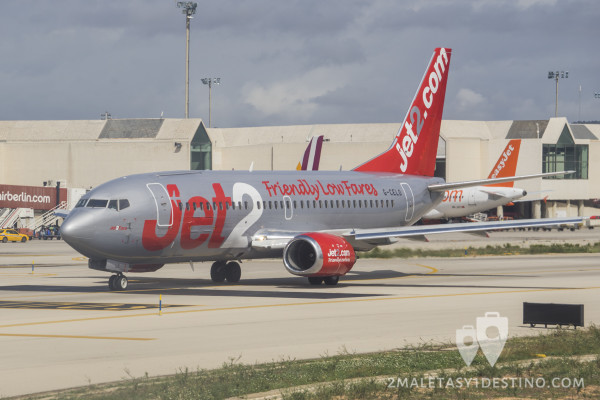 Boeing 737-33A(QC) (G-CELO) Jet2
