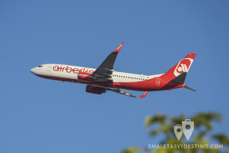 Boeing 737-800 (D-ABKJ) Air Berlin