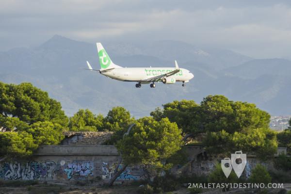 Boeing 737-8K2 (PH-HZE) Transavia aterrizando