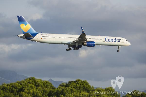 Boeing 757-300 (D-ABOA) Condor aterrizando