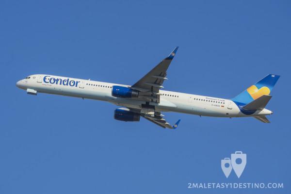 Boeing 757-330 (D-ABOE) Condor